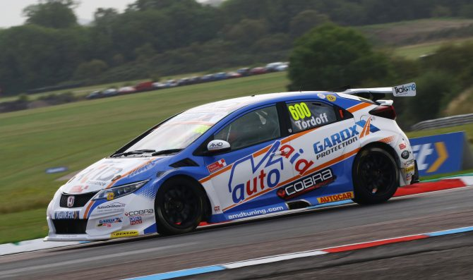 Tordoff on pole at Thruxton
