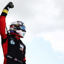 Maldonado, Simmons share wins at Silverstone