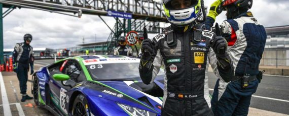 Lambos dominate first qualy