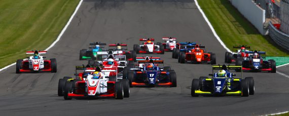 British F3 battle to be decided