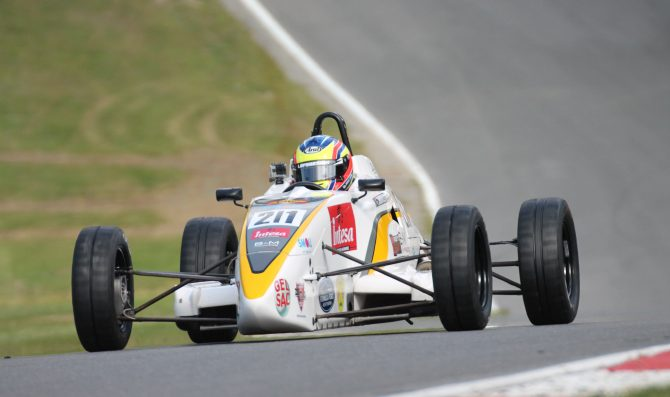 Meloni jr sul podio a Brands Hatch