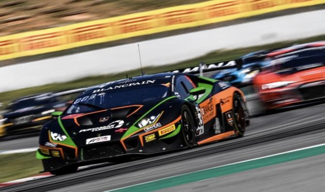 Lamborghini keep historic triple crown