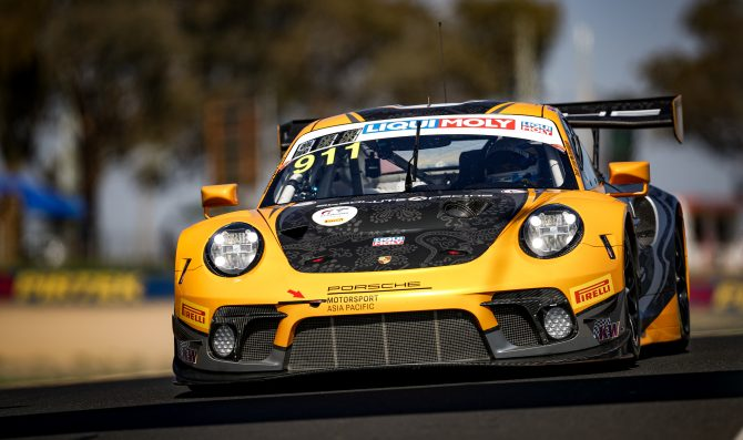 Campbell claims first Bathurst pole for Porsche