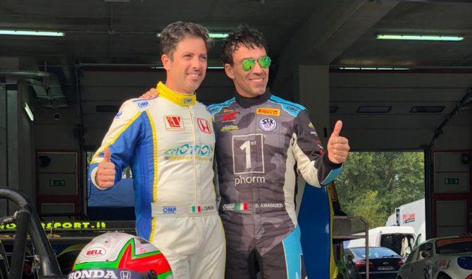 Amaduzzi con Capecchi e Emotion Motorsport