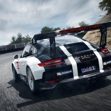 Slitta il debutto del Porsche GT