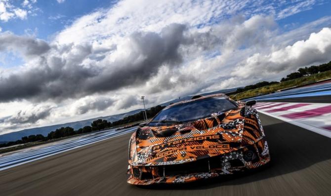 Lamborghini SCV12 completa i test di sviluppo