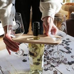 One Hand Wine Server