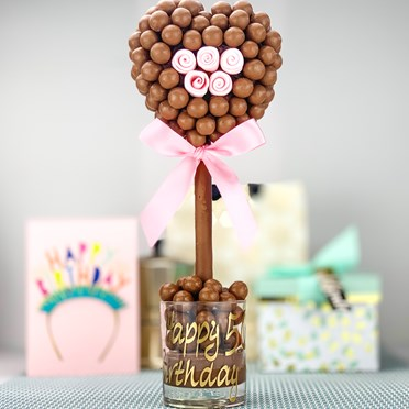 Malteser Heart with Edible Pink Roses