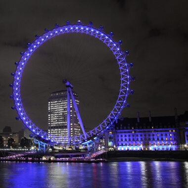 Thames Evening Cruise with Bubbly and Canapés for Two