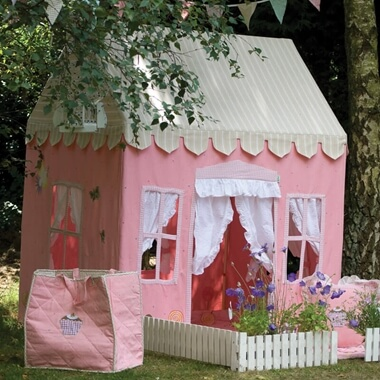 Large Gingerbread Cottage & Floor Quilt Set