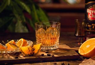 Recept na koktejl 7 Sips Orange and Coffee Havana Club