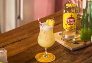 Preparazione Piña Colada Havana Club