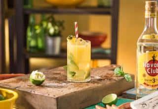 Preparazione Pineapple Twist Mojito Havana Club