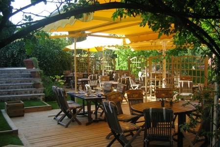 Terrasse De Sauvegrain, Restaurant Trappes  #0