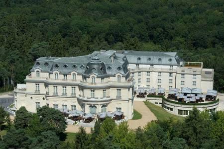 Tiara Château Hôtel Mont Royal Chantilly, Salle de location Chantilly  #0