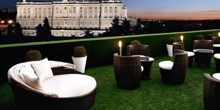 Jardines de Sabatini Apartosuites, Sala de alquiler Madrid Palacios #0