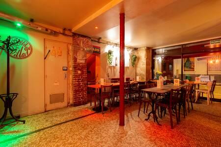 Le Petit Village, Bar Paris Les Batignolles #0