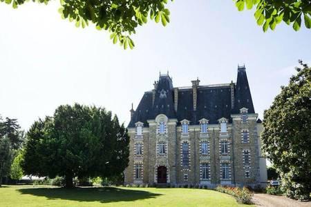 Château De Montbraye, Salle de location Parigné-l'Évêque  #0
