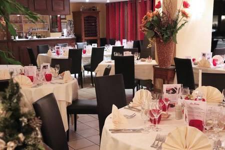 Hôtel-Restaurant Le Moulin De La Coudre, Salle de location Venoy  #0