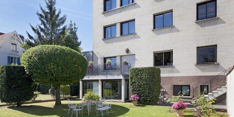 Hotel The Originals Paris Ouest Rueil-Malmaison, Salle de location Rueil-Malmaison Rueil-Malmaison #0