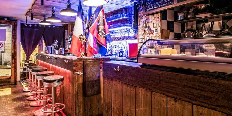 Le NFP (Nostalgique French Pub), Bar Paris Pigalle #0