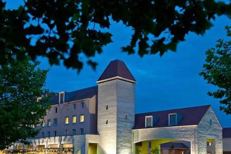 Explorers Hotel, Salle de location Magny-le-Hongre  #0