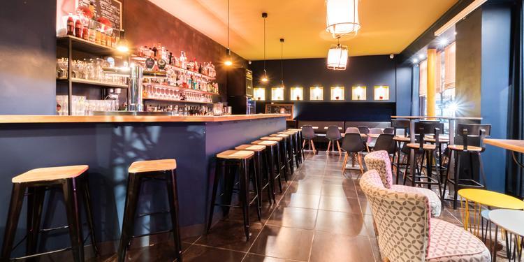 Milton, Bar Paris Notre-Dame-de-Lorette #0