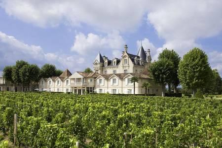 Grand Barrail Château Hôtel Et Spa, Salle de location Libourne  #0