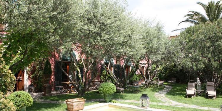 Jardins Secrets ****, Salle de location Nîmes  #0