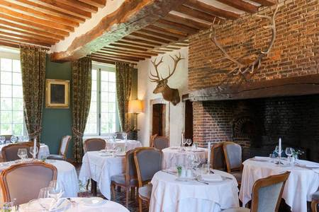 Hotel The Originals Château Du Landel, Salle de location Bézancourt  #0