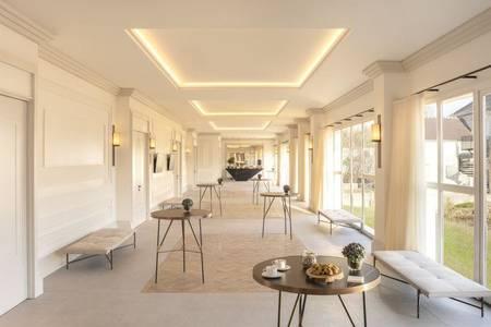 Hyatt Regency Chantilly, Salle de location Vineuil-Saint-Firmin  #0