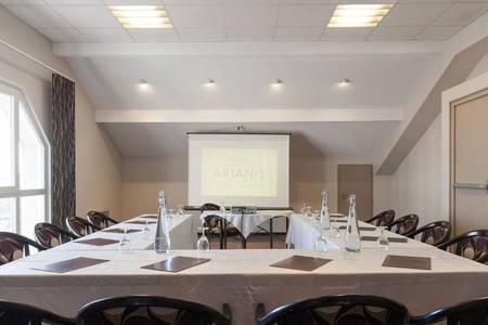 Hotel The Originals Montbéliard Est Arianis Sochaux, Salle de location Sochaux  #0