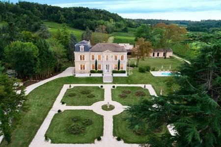 Château De Garde, Salle de location Moulon  #0