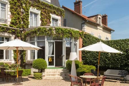 Hotel The Originals Auxerre Normandie, Salle de location Auxerre  #0