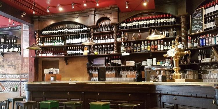 Las Fatigas del Querer, Bar Madrid Huertas #0