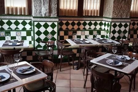 El Anciano Rey de los Vinos, Bar Madrid Palacios #0