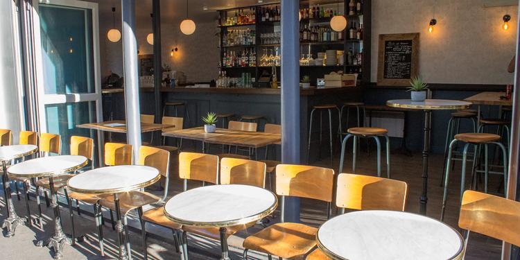 Le Barbiche Le Cerf-Volant, Bar Paris Rochechouart #0