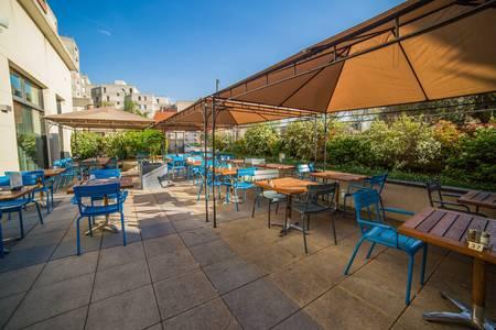 Courtyard By Marriott Paris Défense West Colombes : Terrasse et Jardin, Salle de location Colombes La Garenne - Colombes #0
