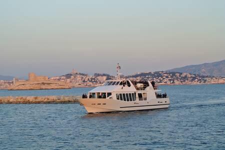 Croisières Marseille Calanques : le Green Calanques, Salle de location Marseille Vieux-Port #0