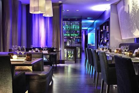Le Makassar Lounge et Restaurant, Restaurant Paris Étoile #0