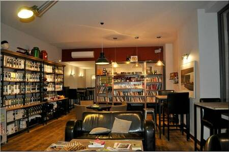 Books And Coffee, Restaurant Bordeaux Capucins #0