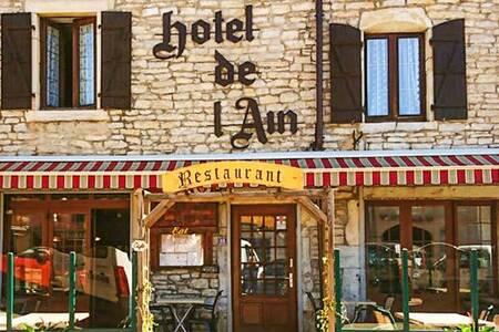 Hotel Restaurant De L'Ain, Salle de location Pont-de-Poitte  #0