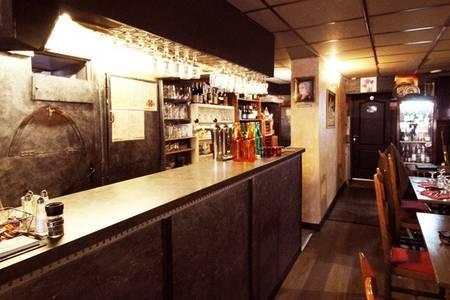Chandra Paris, Bar Paris Place de clichy #0