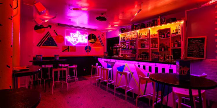 L'Absurde Imposture, Bar Paris Sacré-Coeur #2
