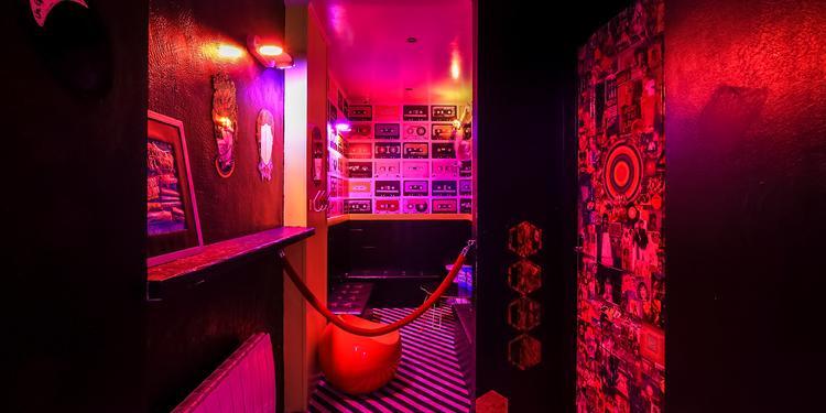 L'Absurde Imposture, Bar Paris Sacré-Coeur #7