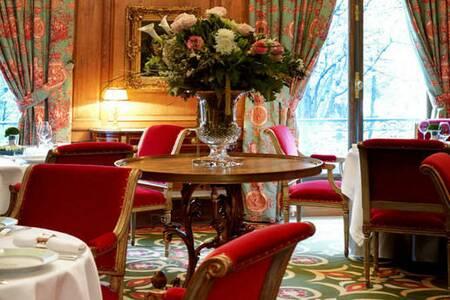 Le Clarence, Restaurant Paris Saint-Philippe-du-Roule #0