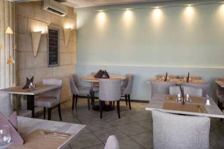 Le Family, Restaurant Bordeaux Saint Augustin #0