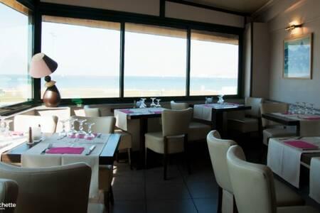 Via Roma, Restaurant Marseille Vieille Chapelle #0