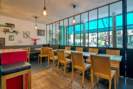 SKB Social Kitchen Bar, Restaurant Paris Grandes Carrières #0