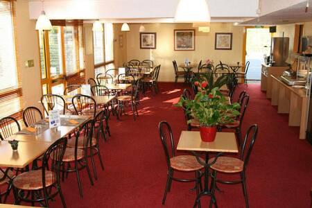 Best Hotel De Macon, Salle de location Sancé  #0